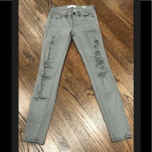 Frame Denim Le Skinny de Jeanne distressed jean 24